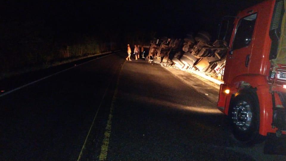 O local está devidamente sinalizado para os motoristas que estão transitando pelo trecho - Foto: Divulgação/PRF
