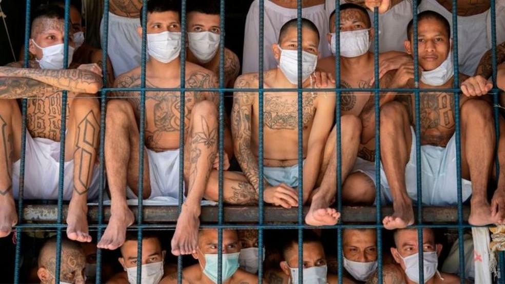 Veja onde ficam as prisões mais superlotadas da América Latina