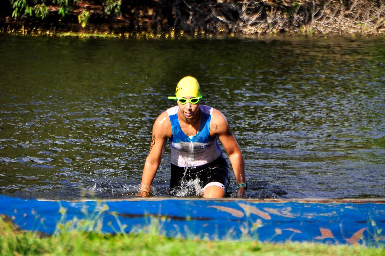 Triatleta também teve que se adaptar a natação para completar prova. (Foto: Arquivo Pessoal)
