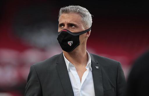 Hernán Crespo deixa comando do São Paulo após baixo desempenho técnico