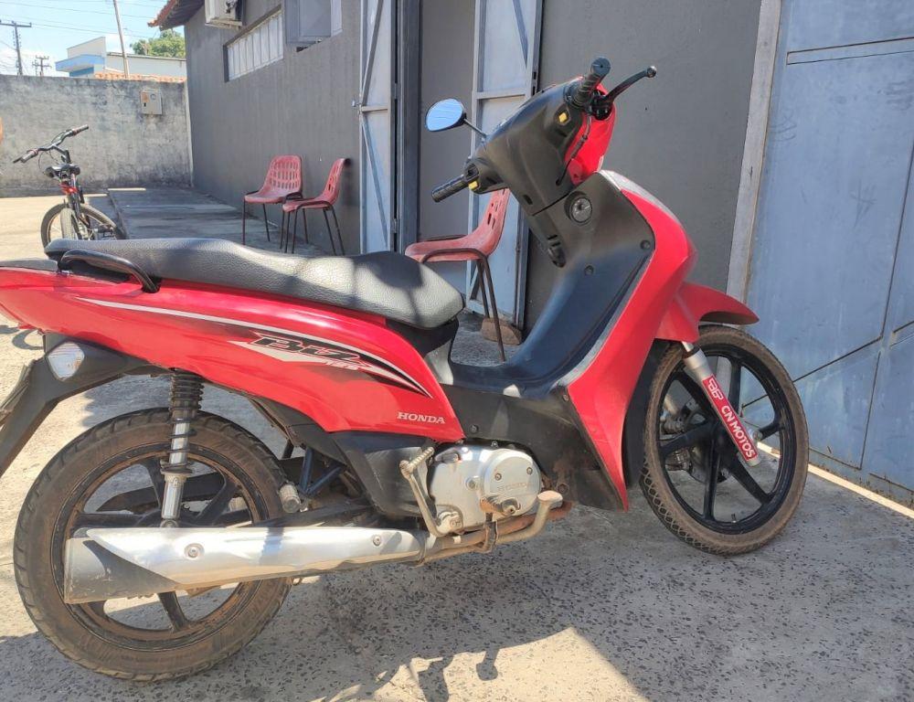 Motocicleta que a suspeita utilizou para realizar o roubo - Foto: Divulgação