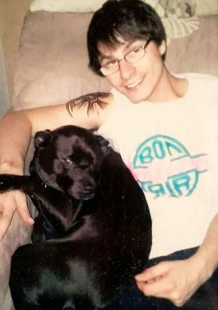 Tratador de cães estava viajando de sua casa em Saint Louis.