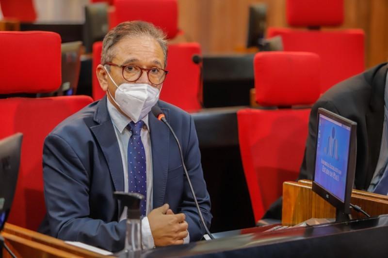 Deputado Estadual Dr. Hélio sobre o Projeto de isenção do pagamento de taxa de inscrição em concursos públicos (Foto: Ascom)