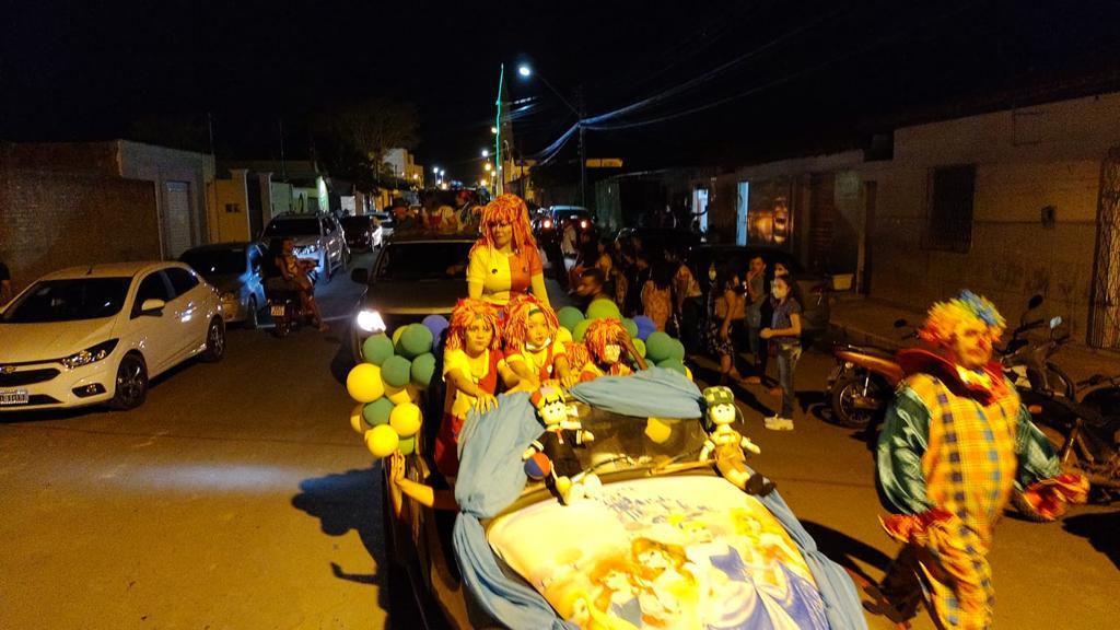Desfile alegrou a criançada e os adultos também/Divulgação