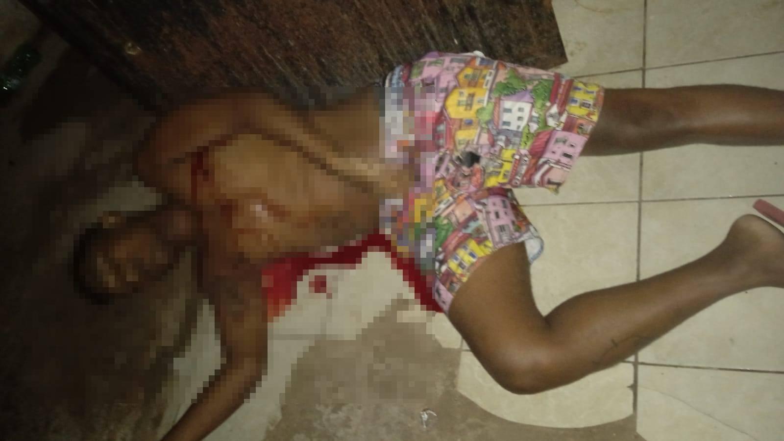 Jovem é executado com vários tiros dentro de casa na zona Norte de Teresina (Foto: Reprodução/ WhatsApp)