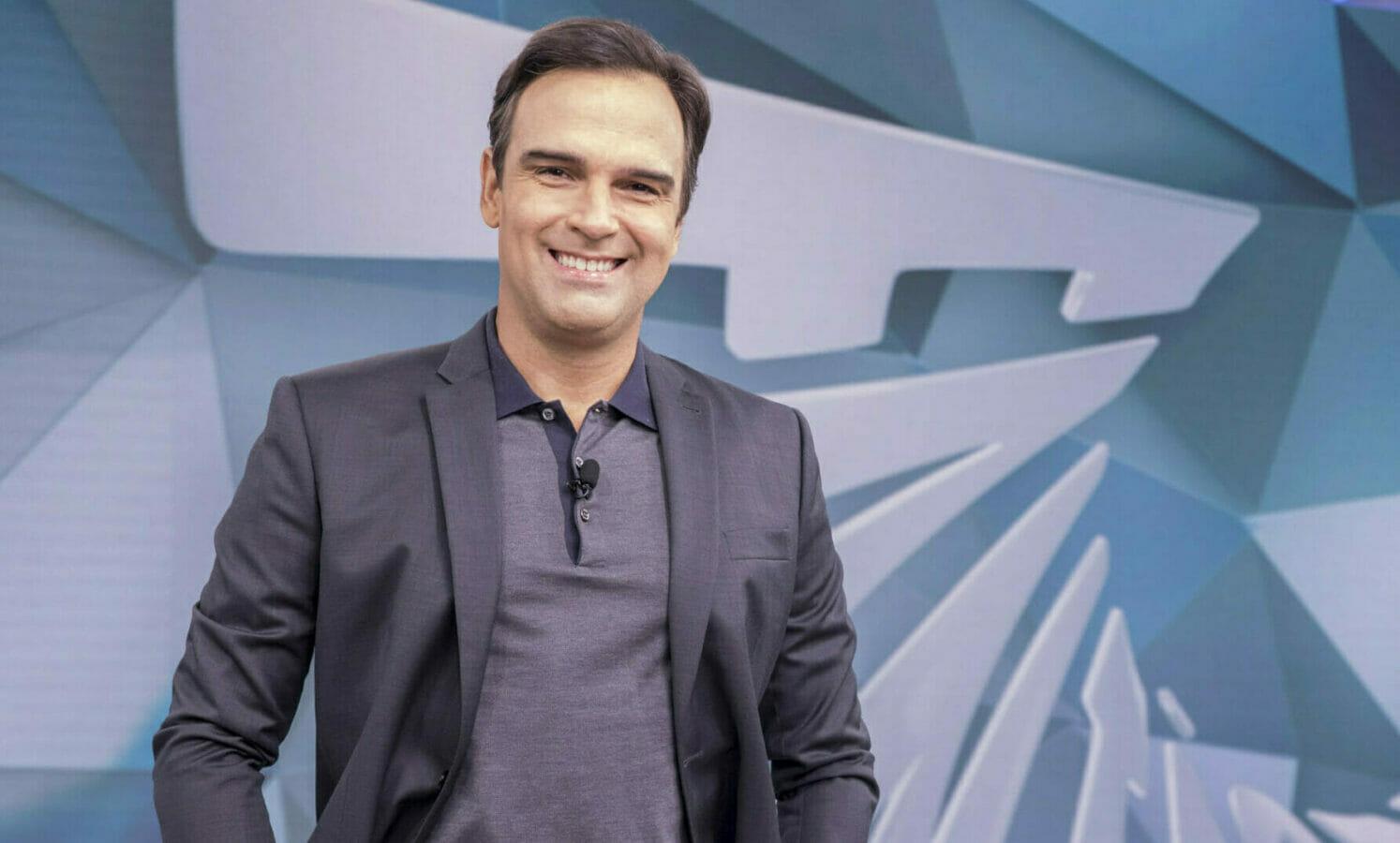 """A Globo fará uma mudança em seus programas jornalísticos. A principal causa é a ida de Tadeu Schmidt para a vaga de Tiago Leifert no """"Big Brother Brasil"""""""