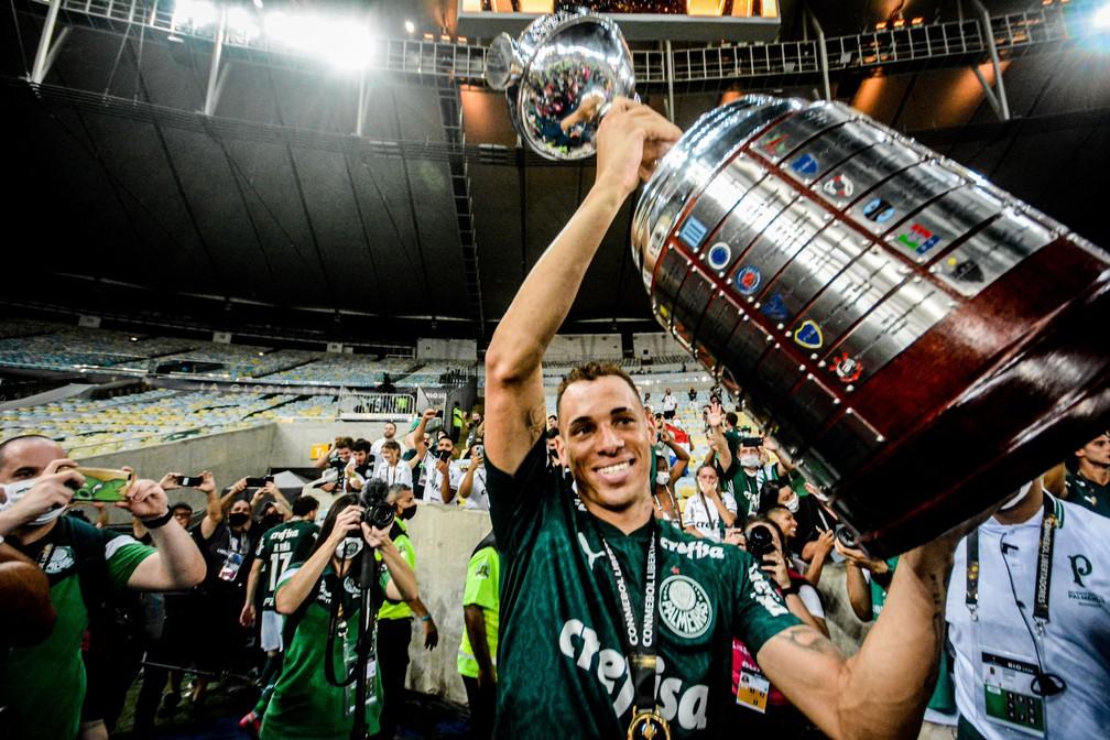 Breno Lopes, atacante do Palmeiras, está fora da disputa do Mundial de Clubes — Foto: NAYRA HALM/FOTOARENA/ESTADÃO CONTEÚDO