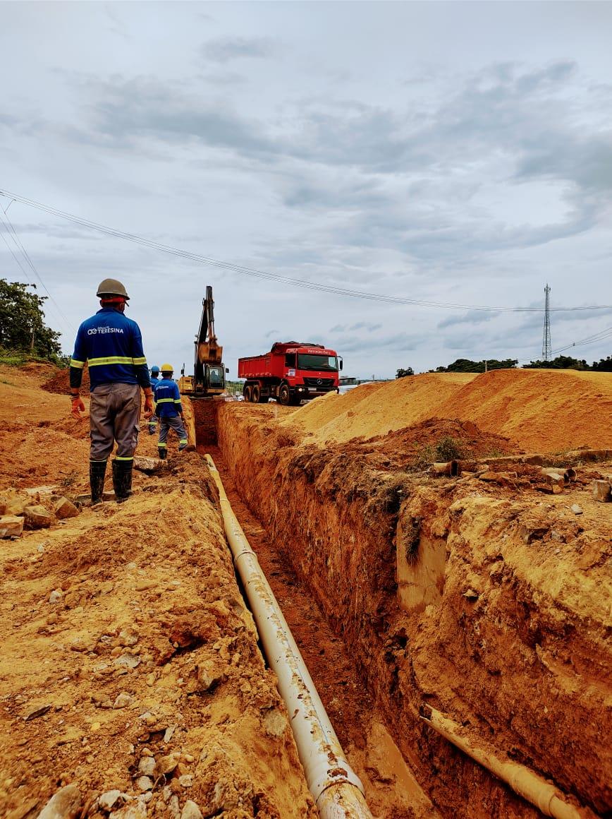 Trecho implantará cerca de 530 metros de adutora de 300 mm Trecho implantará cerca de 530 metros de adutora de 300 mm