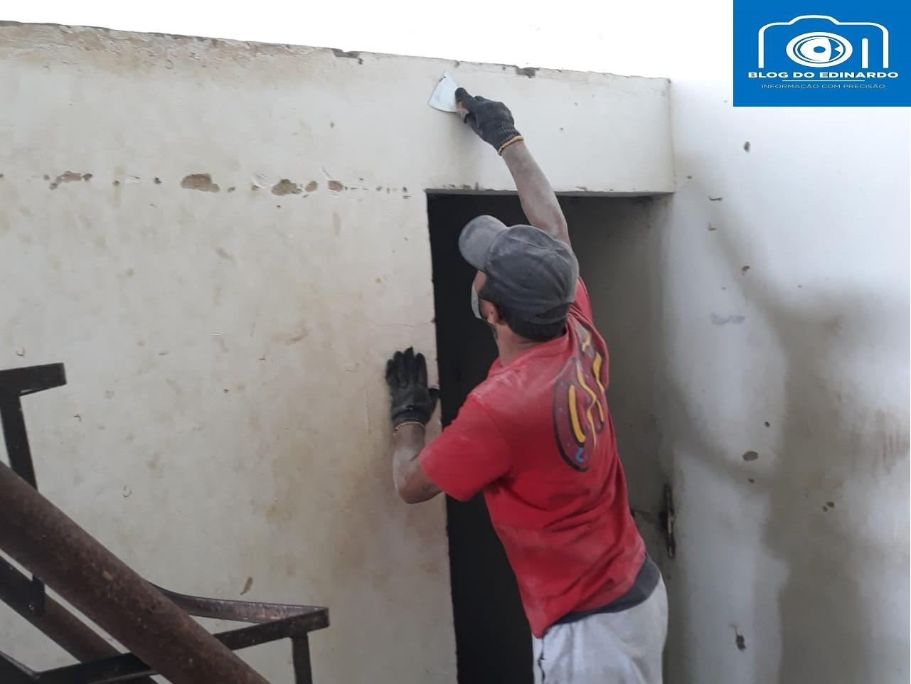 Milton Brandão: Poliesportivo depredado passa por reforma na gestão de Evangelista Resende  - Imagem 9