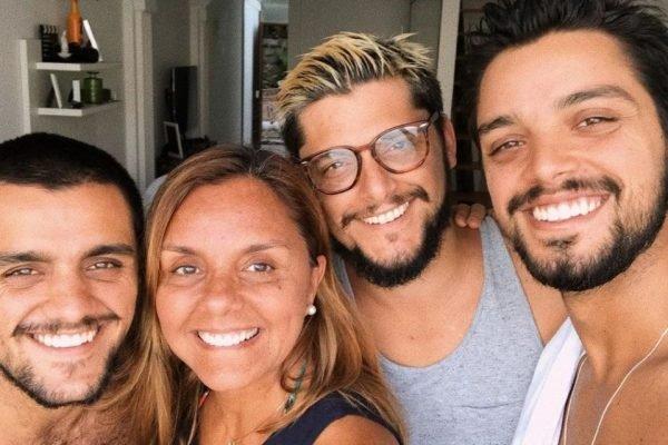Mãe de Bruno Gissoni, Felipe e Rodrigo Simas é internada com Covid-19 - Imagem 1