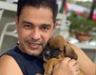 Zezé di Camargo e Graciele perdem cãozinho e pedem ajuda na internet