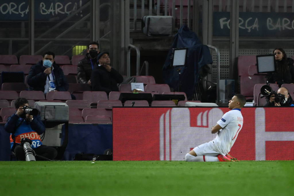 PSG goleia Barcelona com três de Mbappé na Champions - Foto: ReproduçãoPSG goleia Barcelona com três de Mbappé na Champions - Foto: Reprodução