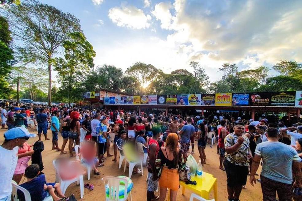 Mesmo proibidas, aglomerações são vistas em vários pontos do país nesta terça-feira de carnaval.- Foto: Reprodução G1
