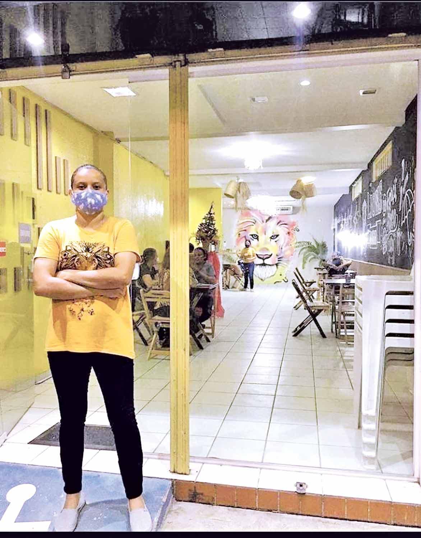 Clarisse Abreu abriu hamburgueria após alta demanda por pedidos delivery