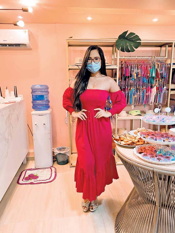 Eduarda Santiado em poucos meses de loja já é referência em venda de moda praia