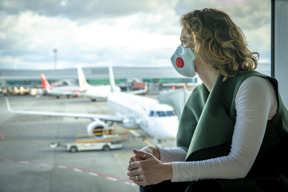Companhias aéreas proíbem embarque com máscaras de válvula ou de pano - Imagem 1