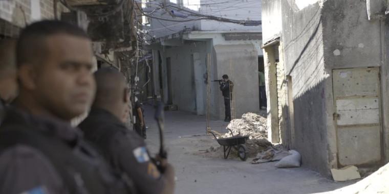 """""""América Armada"""" aborda luta contra armas no Brasil, México e Colômbia"""