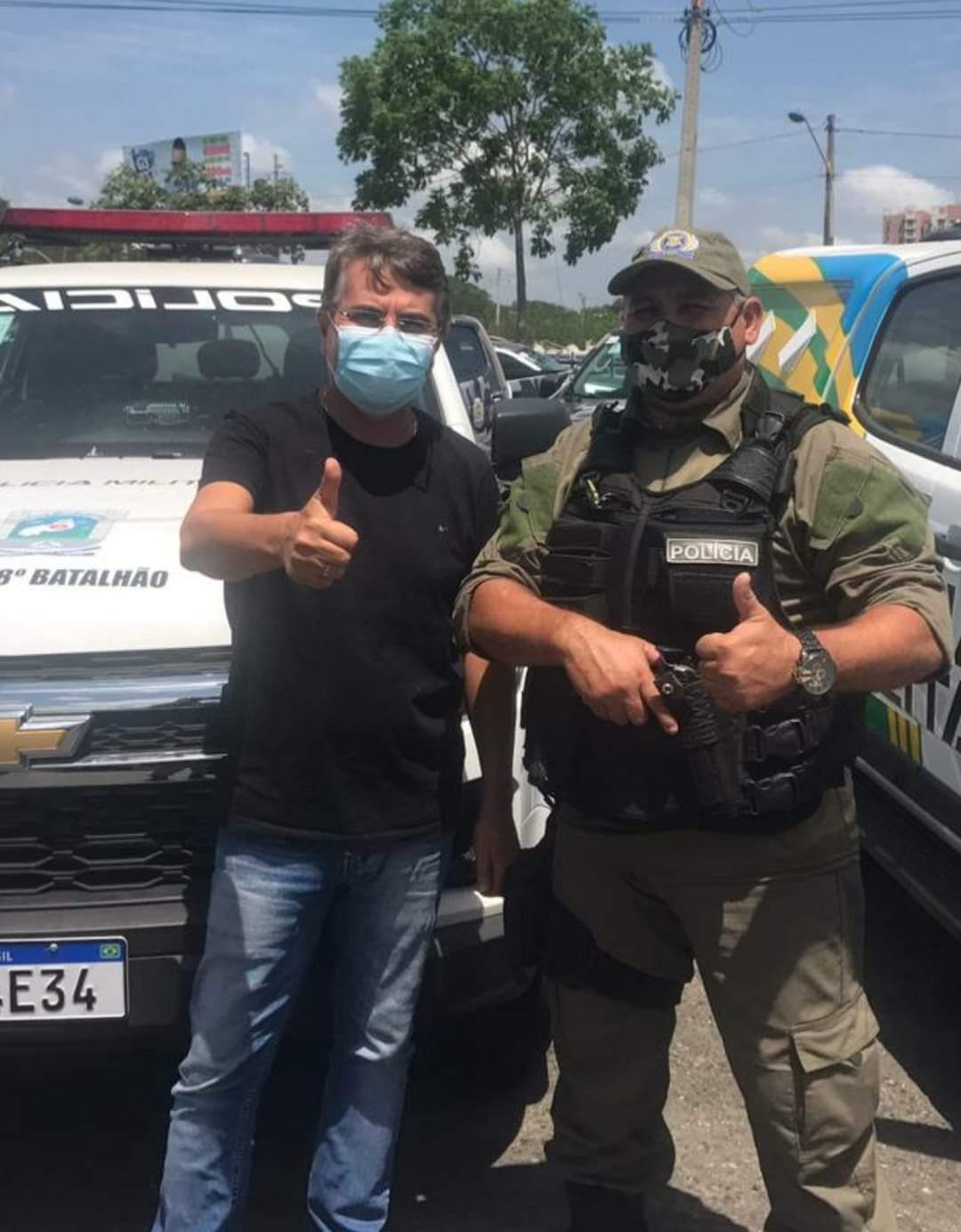 Prefeito João Luiz recebe viatura policial okm para Monsenhor Gil - Imagem 2