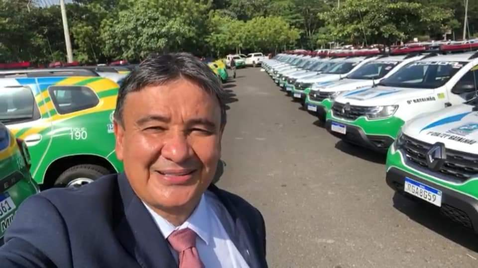 Prefeito João Luiz recebe viatura policial okm para Monsenhor Gil - Imagem 3