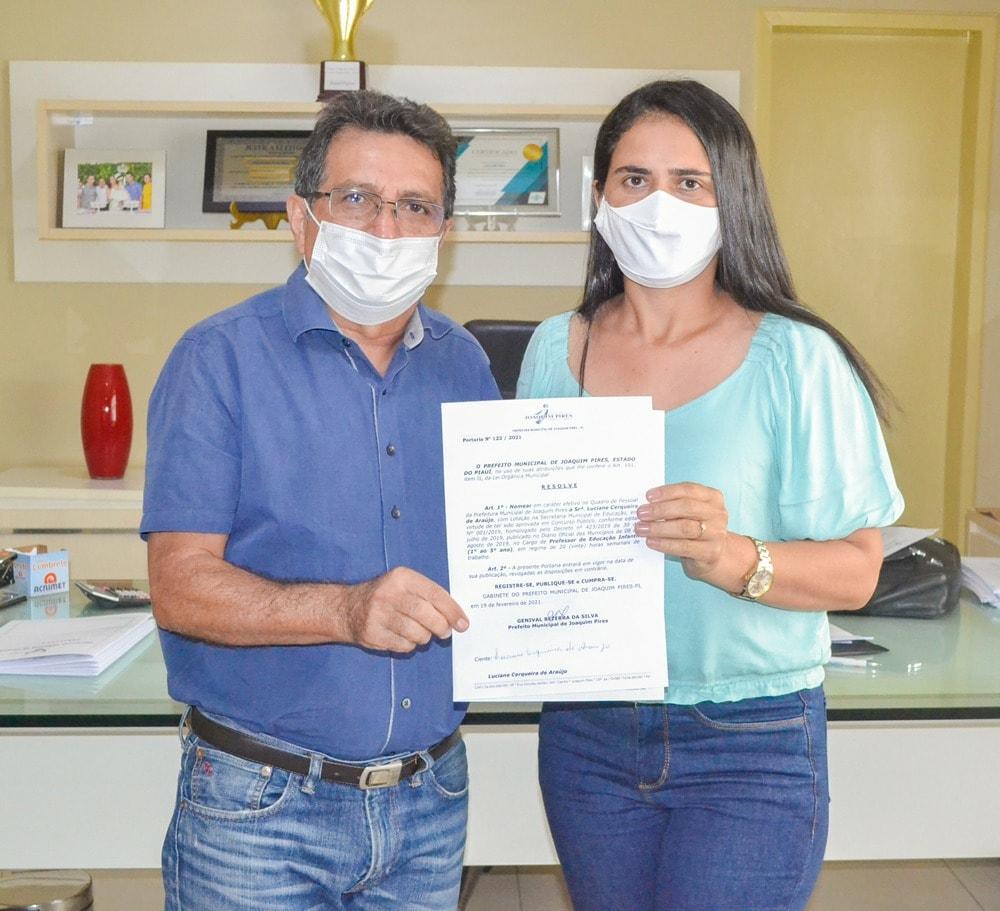Prefeito Genival Bezerra empossa sete novos professores para Rede Municipal de Ensino - Imagem 4