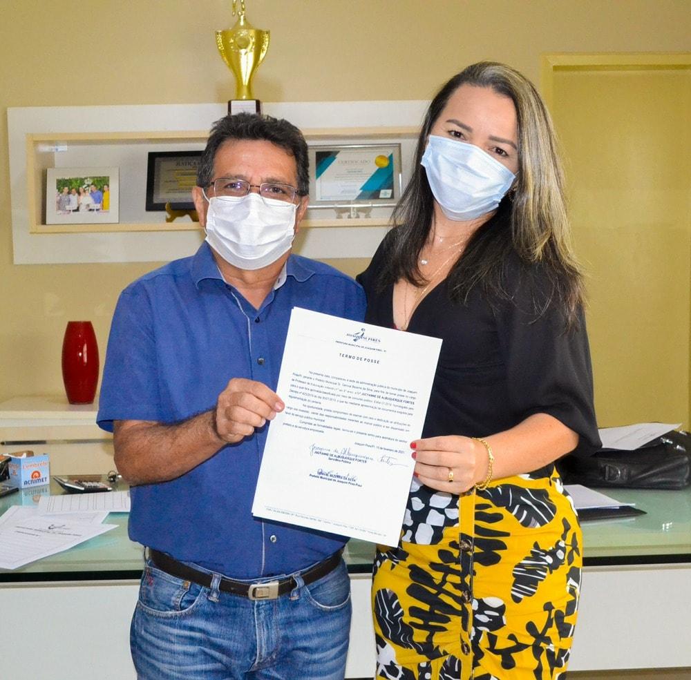 Prefeito Genival Bezerra empossa sete novos professores para Rede Municipal de Ensino - Imagem 10