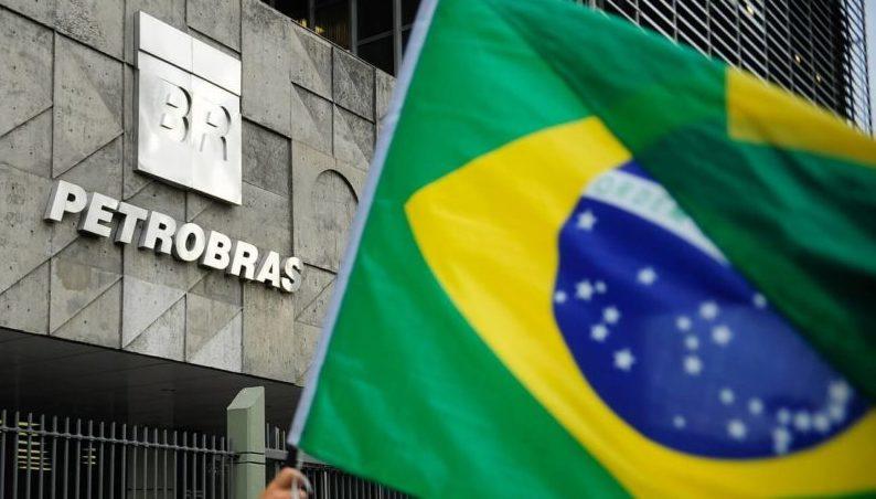Petrobras despenca 20% após Jair Bolsonaro citar troca de presidente