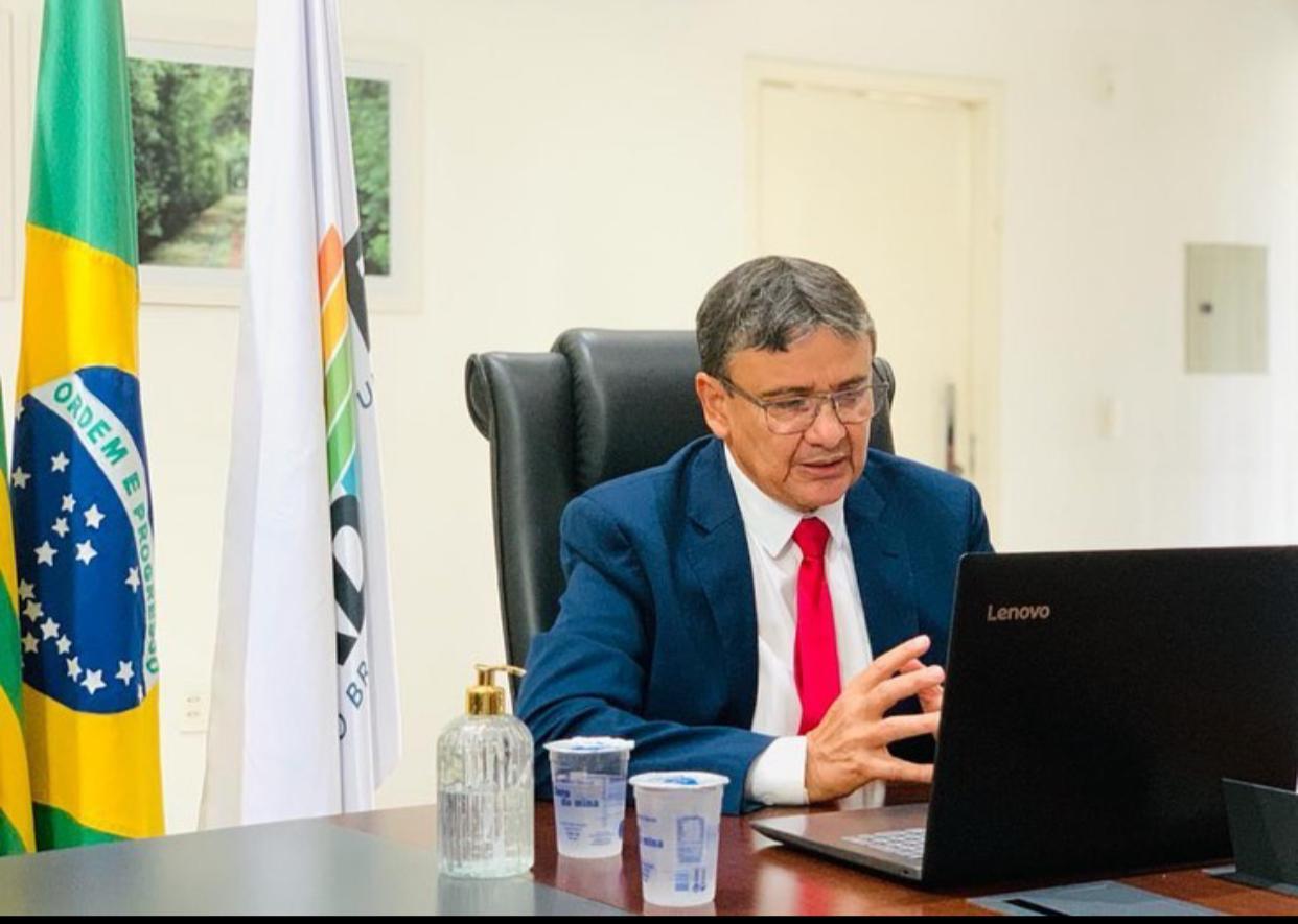 Governador Wellington Dias articula compra de novas doses da vacina até março
