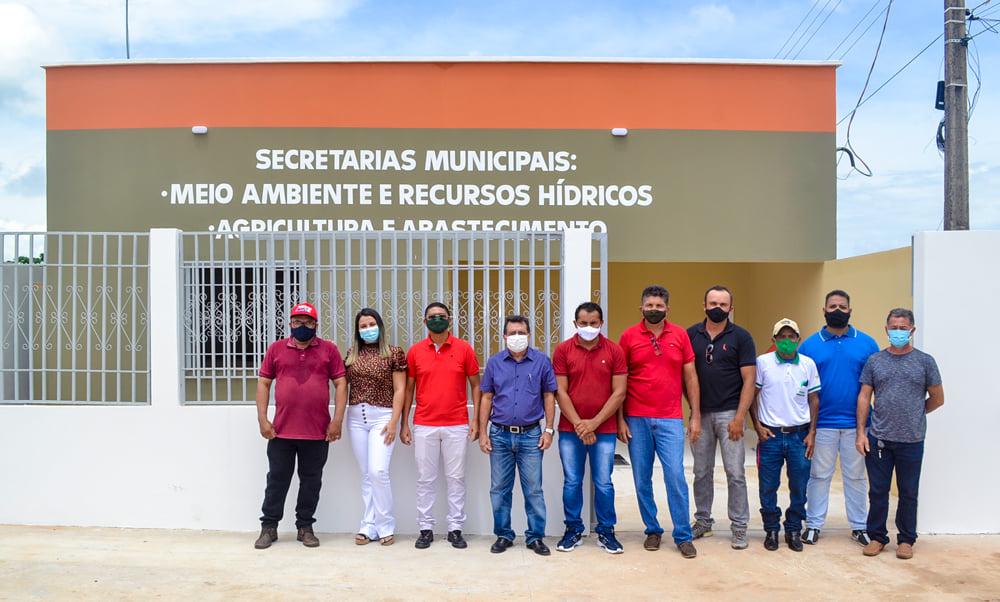Prefeito Genival Bezerra inaugura sede da SMARH e SMA - Imagem 14