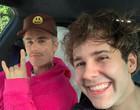 Sorriso forçado: Conheça os famosos que odeiam fazer selfies com fãs