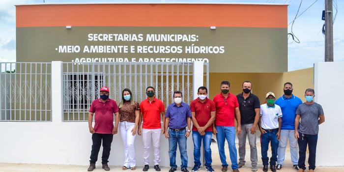 Prefeito Genival Bezerra inaugura sede da SMARH e SMA