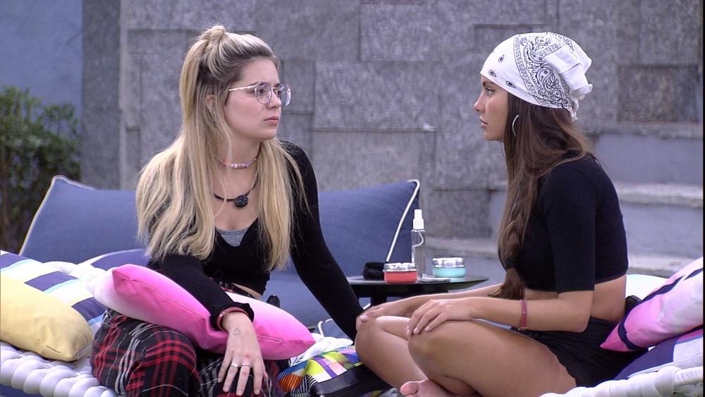 """Viih Tube relata para Thaís: """"Perdi um pouco a confiança na Carla"""" — Foto: Globo"""
