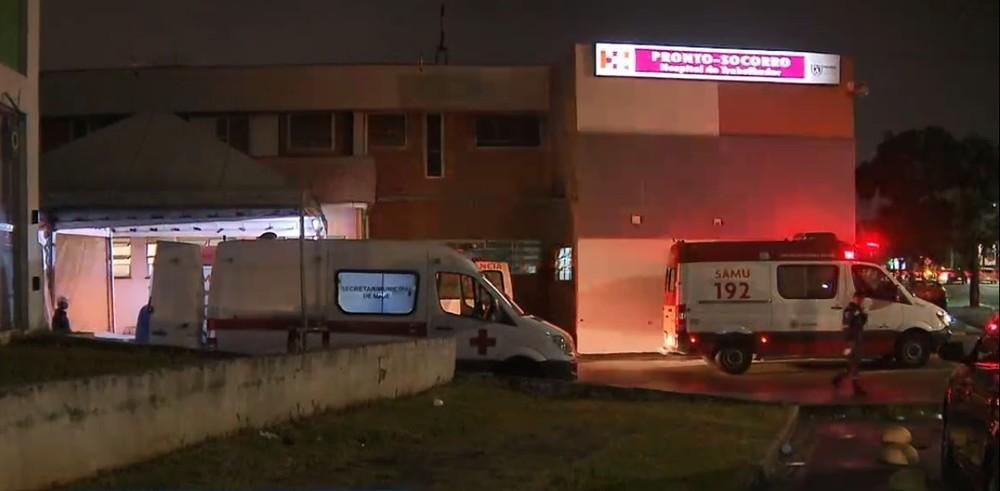 Hospitais de Curitiba ficam lotados e pacientes precisam aguardar por atendimento