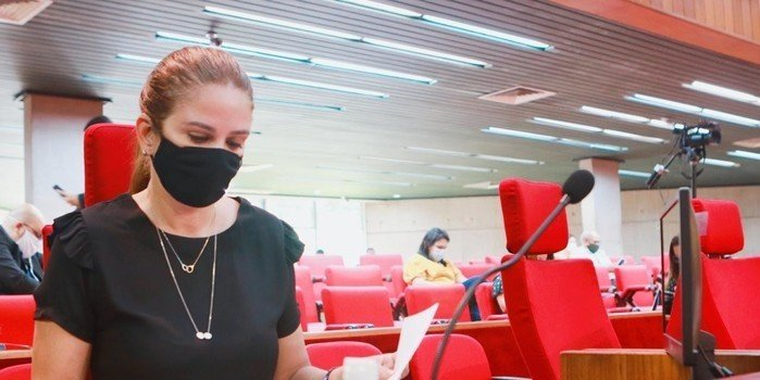 Deputada cobra Florentino sobre equipamentos de hospital do Verdão