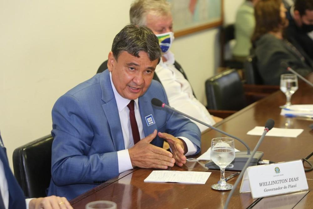 Governador do Piauí, Wellington Dias (PT), participa de reunião com o ministro da saúde — Foto: Divulgação /Governo do Piauí