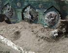 Arqueólogos descobrem carruagem cerimonial romana antiga na Itália