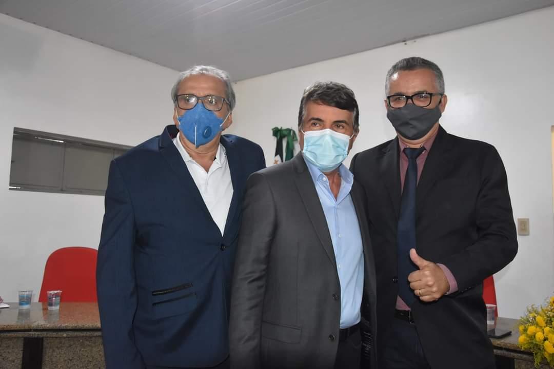 Prefeito João Luiz participa da abertura do Ano Legislativo em Monsenhor Gil - Imagem 11