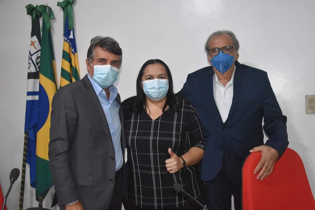 Prefeito João Luiz participa da abertura do Ano Legislativo em Monsenhor Gil - Imagem 12