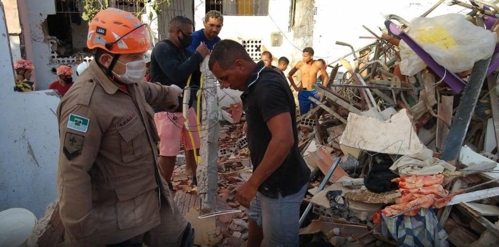 Explosão derruba sete casas e deixa quatro mulheres mortas em Natal - Imagem 1