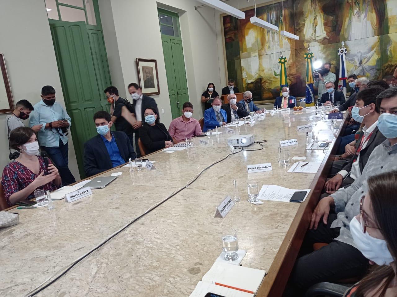 Dr. Pessoa em reunião na sede da PMT- Foto: Efrém Ribeiro