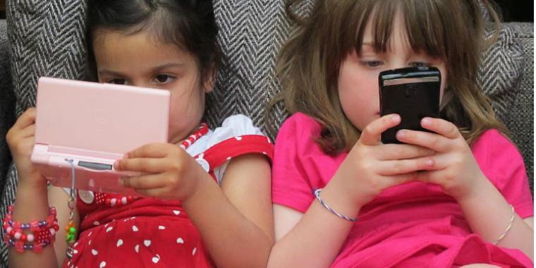 Filme aponta efeitos assustadores de TVs e celulares sobre as crianças