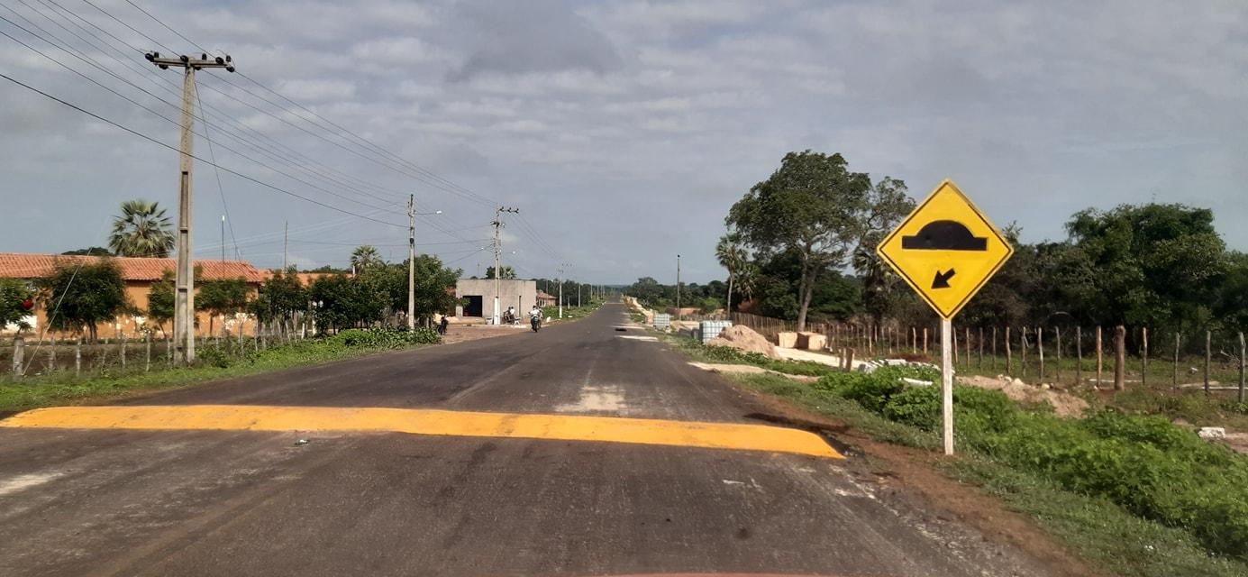 MOBILIDADE URBANA: Prefeitura de Coivaras consegue junto ao DNIT a construção de quebra-molas  - Imagem 1