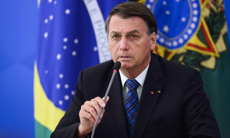 Bolsonaro assina MPs que viabiliza nova rodada do auxílio emergencial