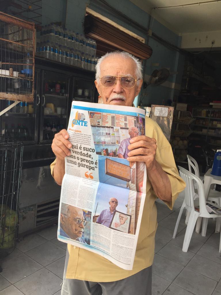 Seu Abrahão já foi homenageado pelo Jornal Meio Norte (Foto: Arquivo/ Jornal Meio Norte)