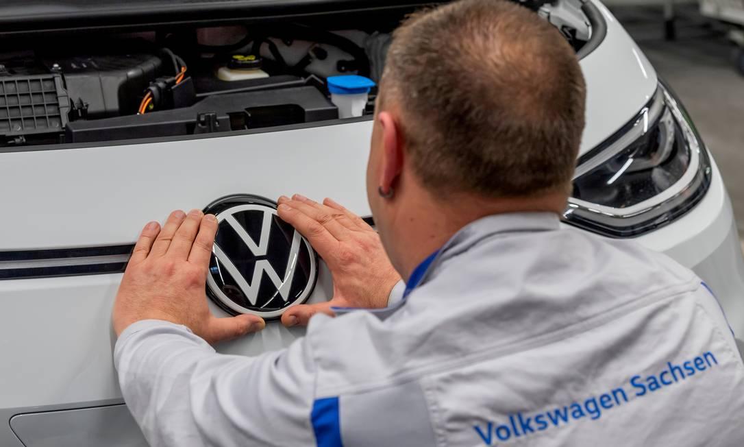 Volkswagen suspende produção no país por 12 dias Foto: Matthias Rietschel / REUTERS
