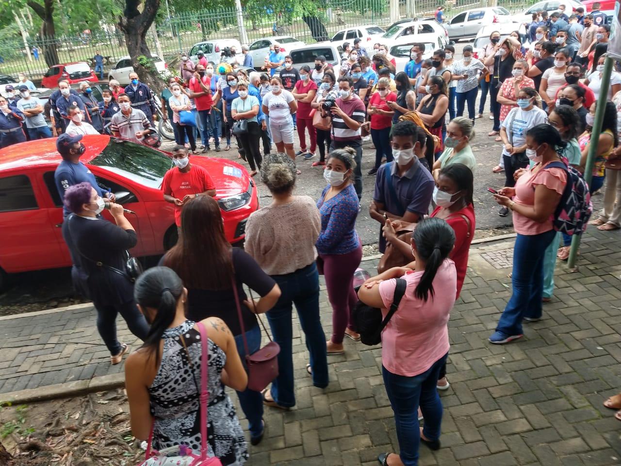 Protesto de profissionais de saúde em frente à Prefeitura de Teresina (Foto: Reprodução/ WhatsApp)