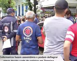 Enfermeiros fazem manifestação e podem deflagrar greve em Teresina
