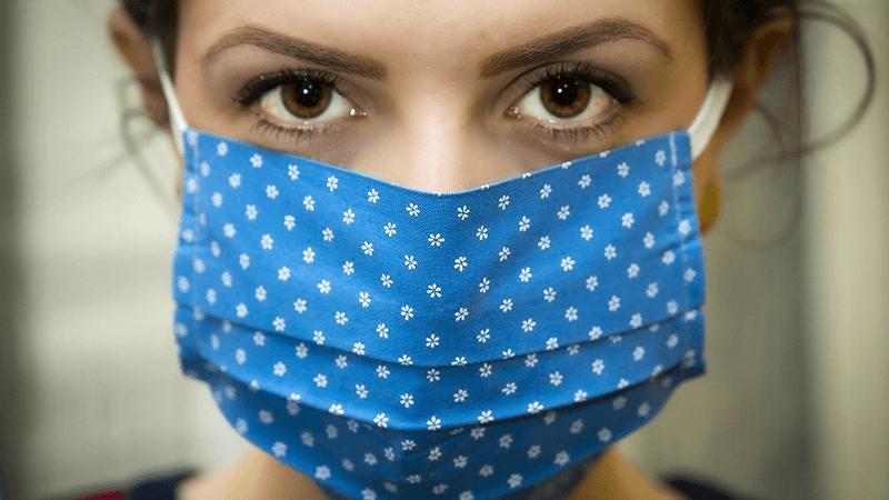 Máscaras de pano, ou caseiras, também atuam na proteção- Foto: Pixabay