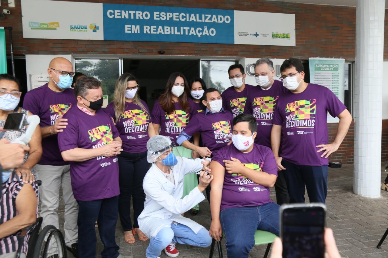 Piauí inicia vacinação de pessoas com deficiência - Foto: Jarbas Santana
