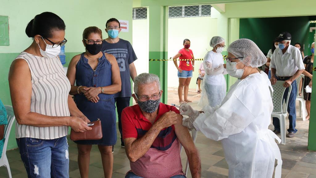Valença do Piaui avança com vacinação de idosos entre 75 e 79 anos - Imagem 21