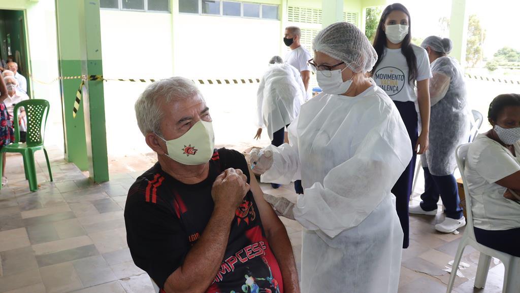 Valença do Piaui avança com vacinação de idosos entre 75 e 79 anos - Imagem 51